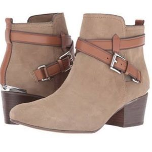Coach Pauline booties in tan size 9M